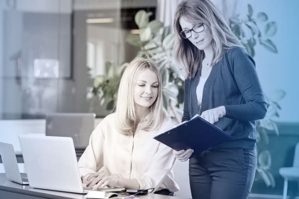 Trabalhe preditivamente nas operações de fabricação e cadeia de fornecedores, recebendo insights de possíveis ajustes